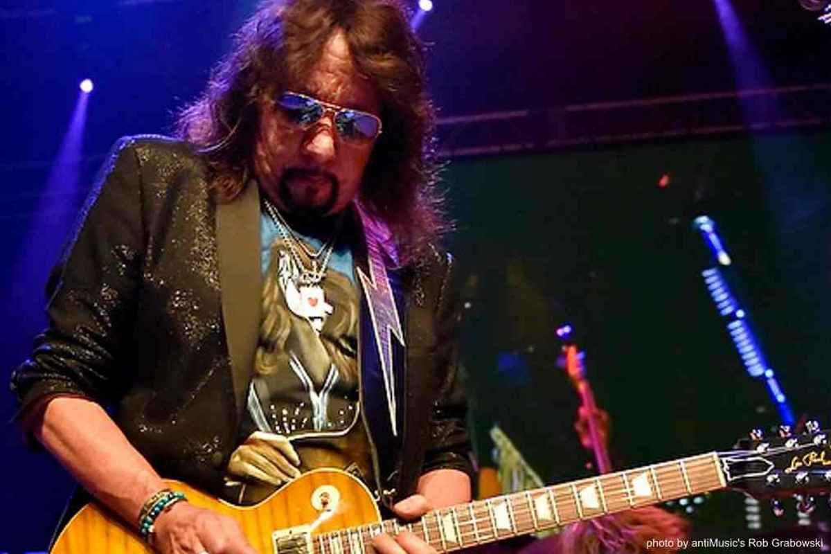 Foo Fighters Cover Ace Frehley Classic 2020 In Review