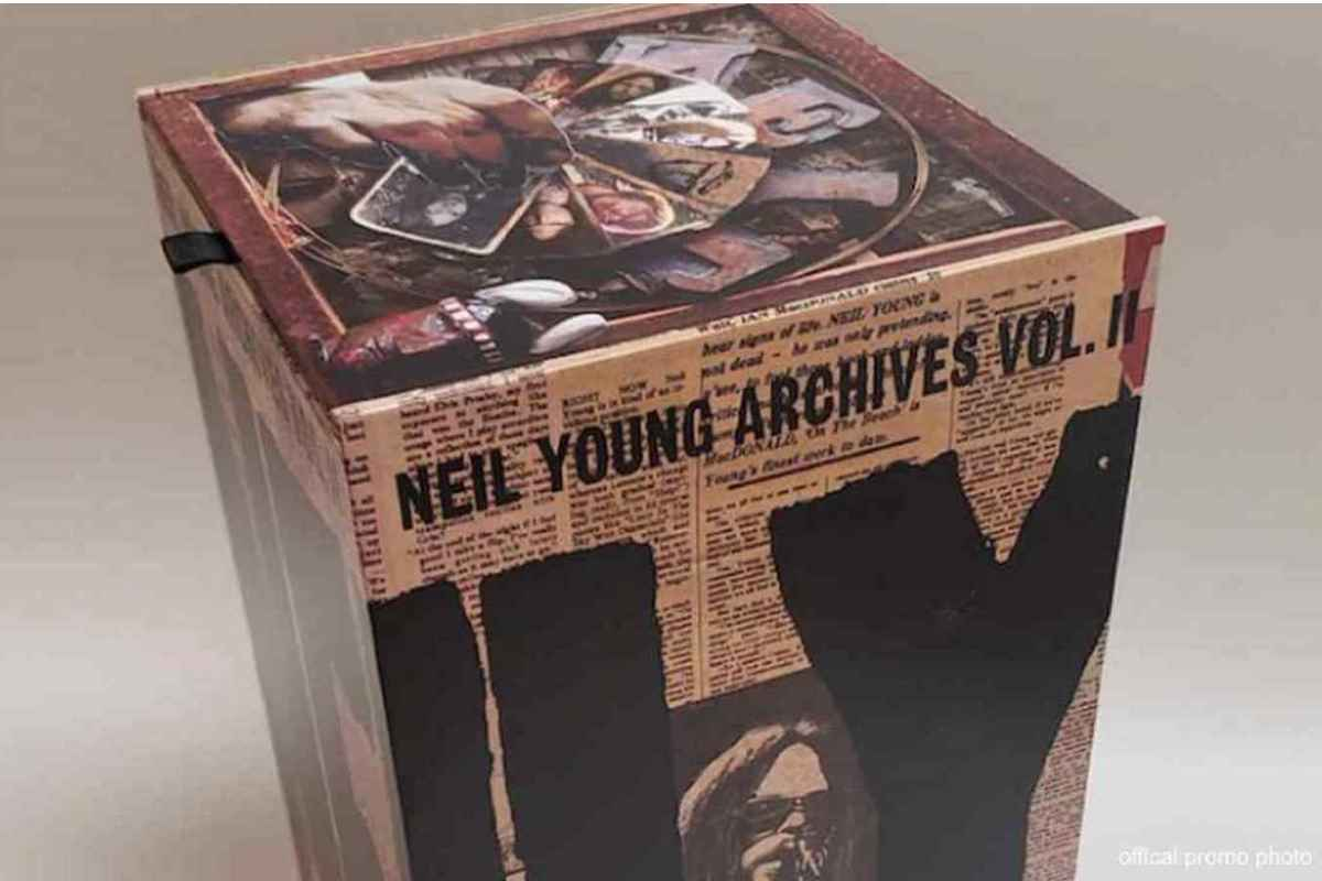 Neil Young Offers Free Access To Neil Young Archives