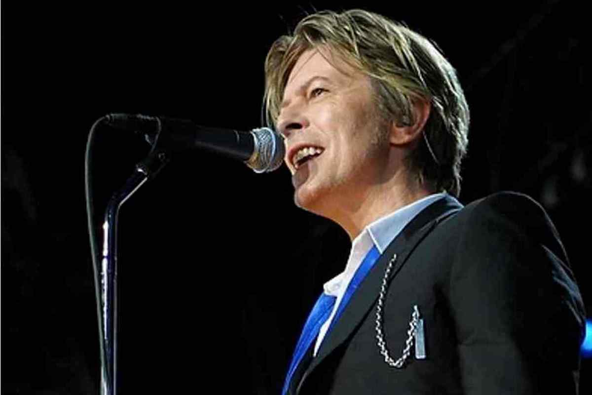 David Bowie Birthday Single To Feature John Lennon And Bob Dylan Covers