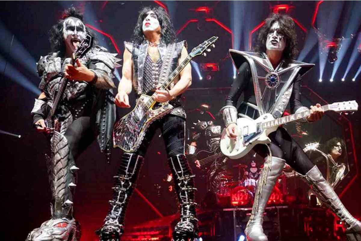KISS' Paul Stanley Candid About Voice Changes 2020 In Review