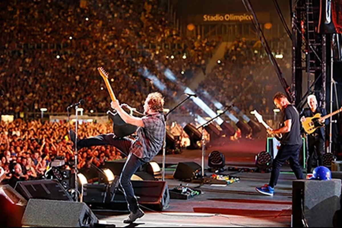 Pearl Jam Share Footage From Rome Concert Webcast