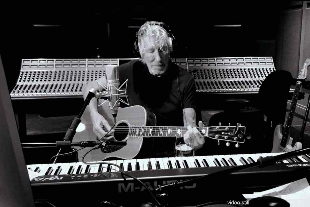 Roger Waters Performs Pink Floyd Classic In Isolation Video 2020 In Review