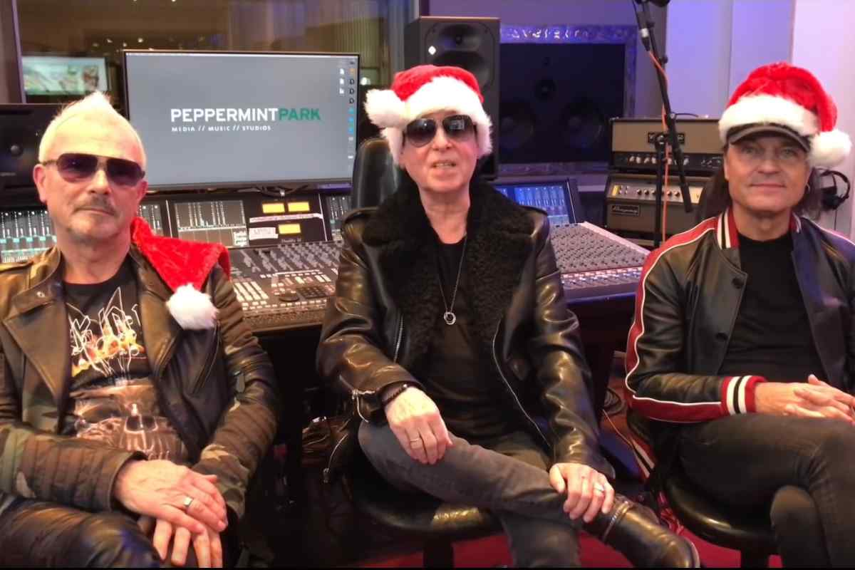 Scorpions Cover 'What A Wonderful World' For Christmas