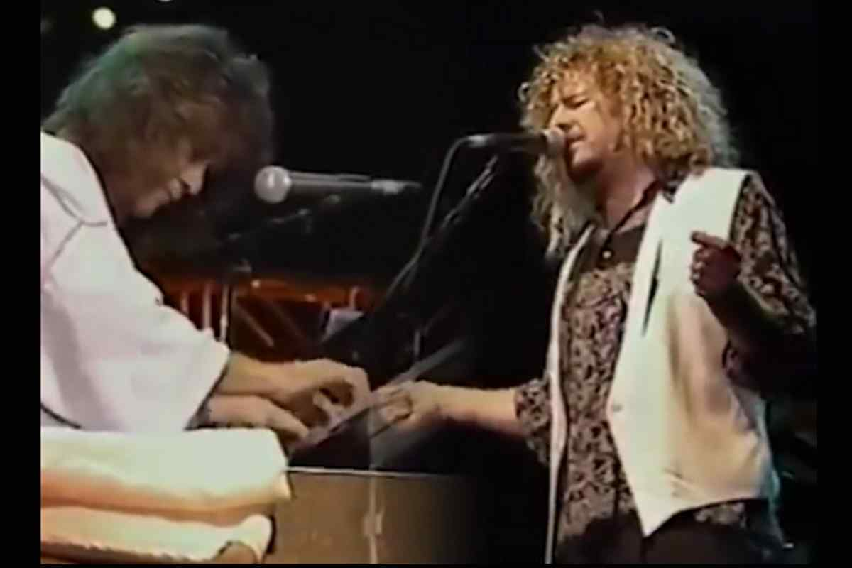 Sammy Hagar Shares Vintage Performance With Eddie Van Halen