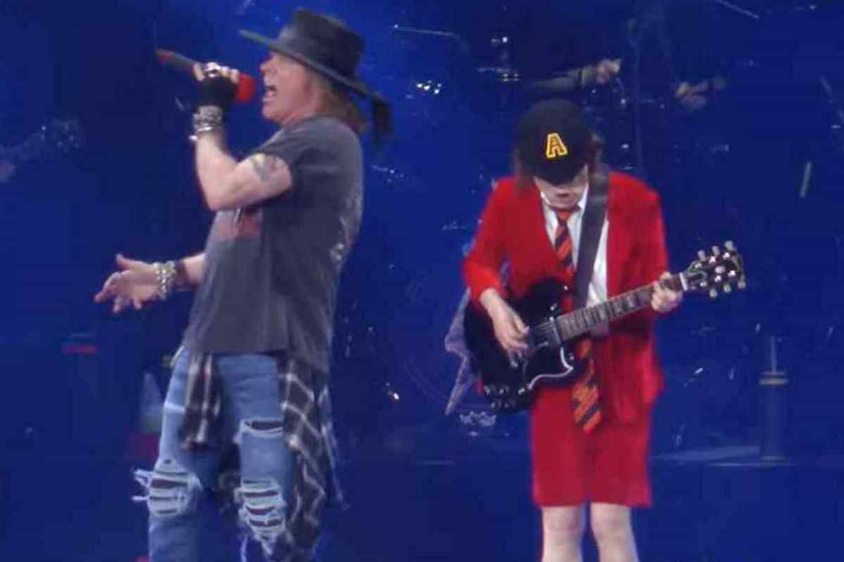 AC/DC Frontman Praises Axl Rose For Job Taking Over Gig 2020 In Review
