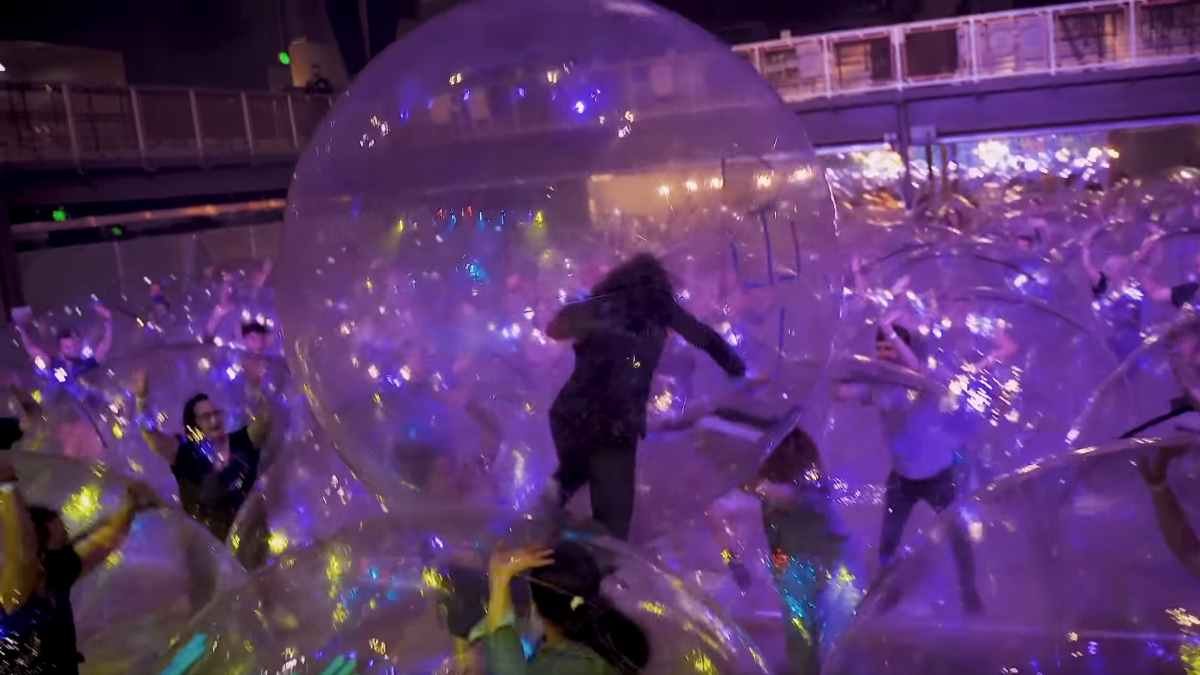 The Flaming Lips Announce More Space Bubble Concerts