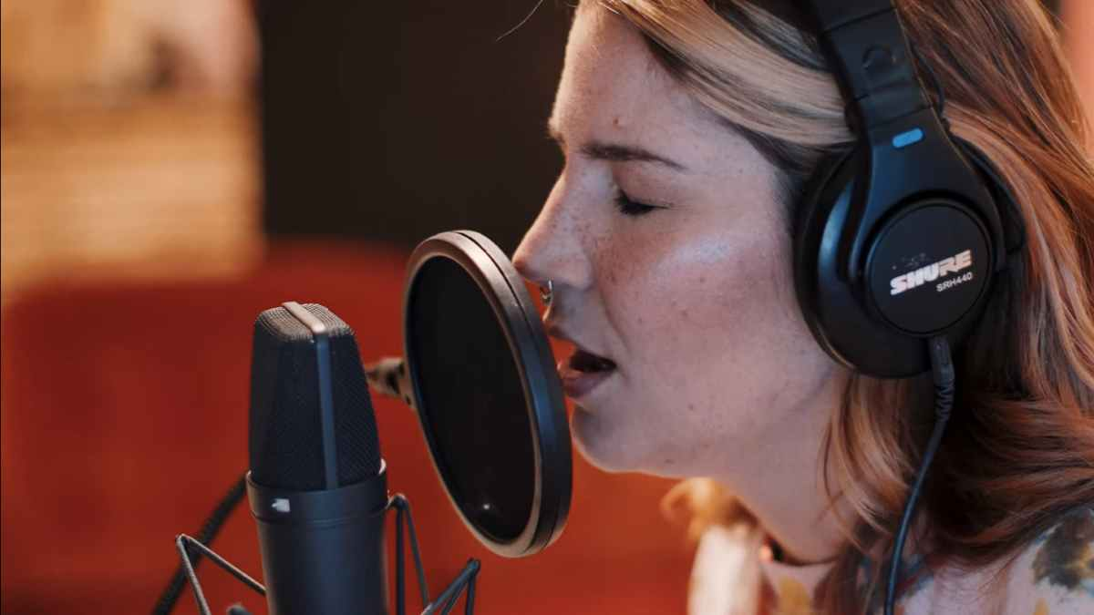 Charlotte Wessels still from the video