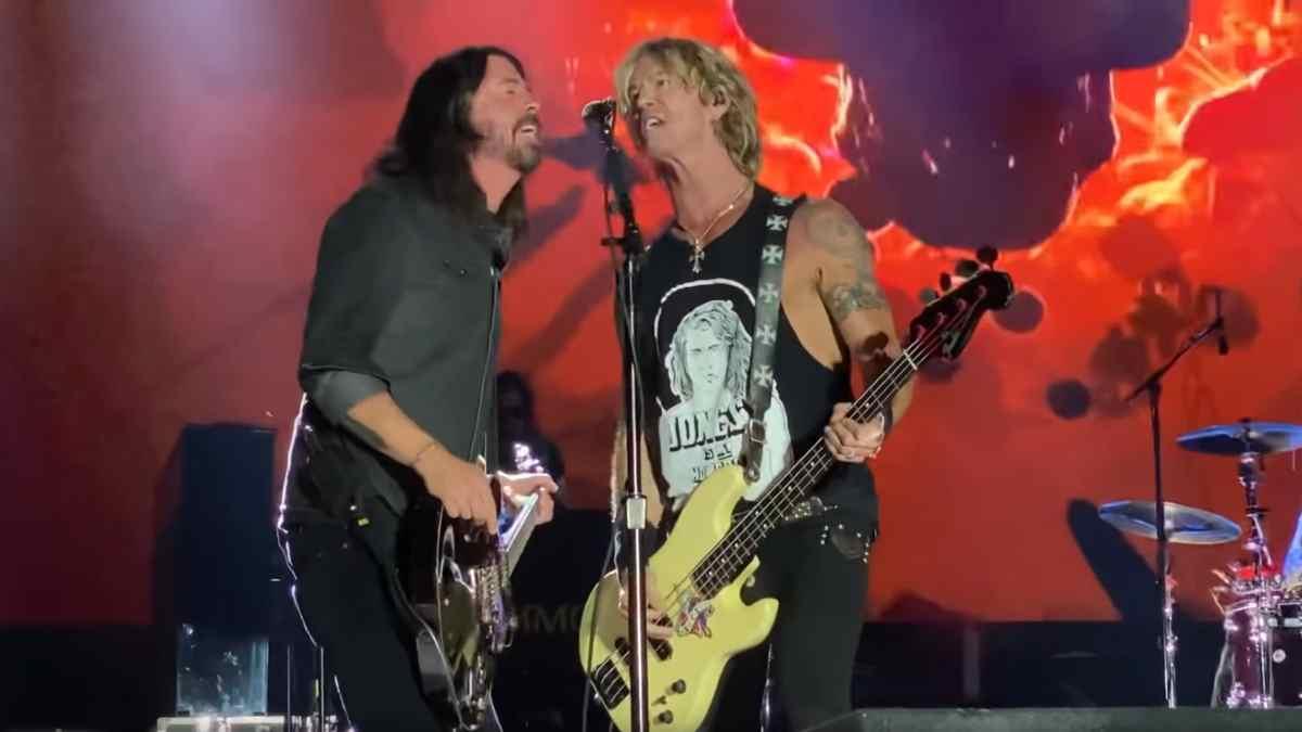 Guns N' Roses Video capture of performance