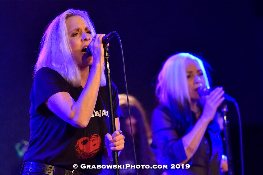 Cherie Currie and Brie Darling Live